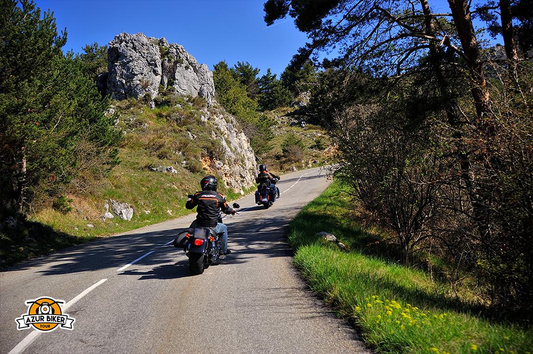 Gourdon-caussols-Azur-Biker-Tour-10